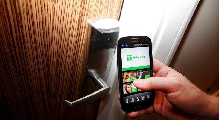 Los hoteles inteligentes hacen uso de smart-keys para hacer más cómoda la estancia a sus usuarios