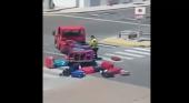 La realidad de cómo es tratado el equipaje en los aeropuertos, se hace viral