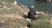 Militar asaltando el camping
