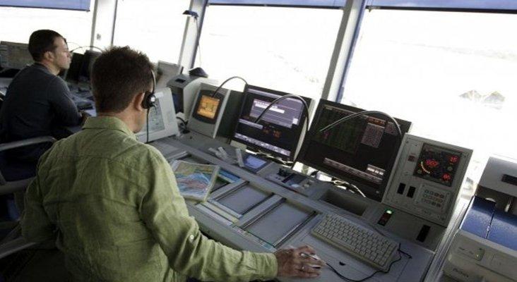 Los controladores aéreos dejan a miles de pasajeros en tierra. Foto Crónica Global