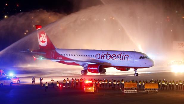 Air Berlin deja de operar tras 38 años de servicio