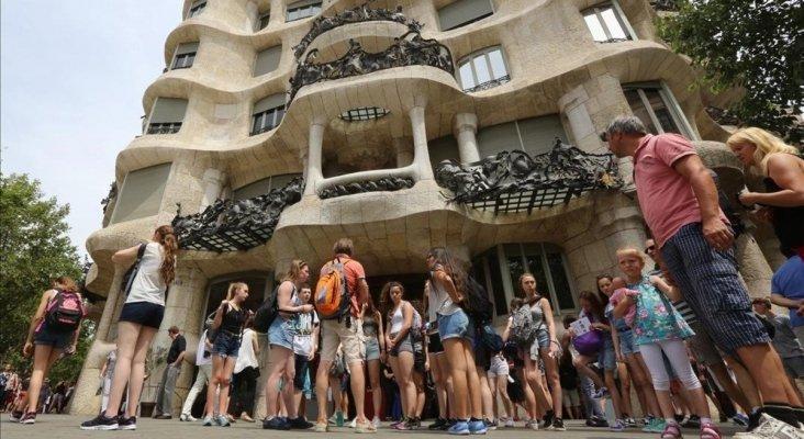 Pisos tur sticos legales de barcelona recaudan 860 millones for Pisos turisticos madrid