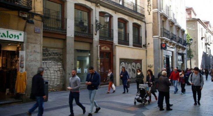 Bloque de viviedas de la calle Carmen que iba a ser transformado en apartamentos turísticos