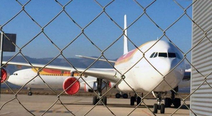 aviones estacionados en el aeropuerto de castellon
