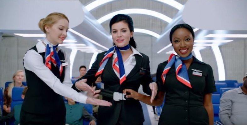 American Airlines , una de las tres aerolíneas de EE.UU