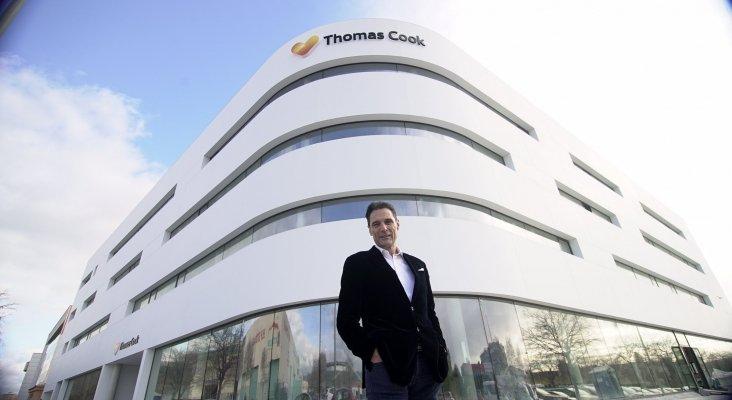 Peter Fankhauser ante las nuevas oficinas de Thomas Cook en Palma