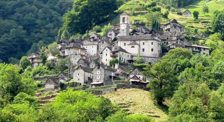 Corippo en Suiza, pueblo que se convertirá en hotel
