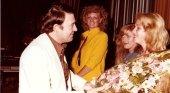Juan Quevedo Inviste a la Reina Turística del Carnaval y sus damas (1981)