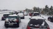 Temporal de nieve en España. Bomberos y policía