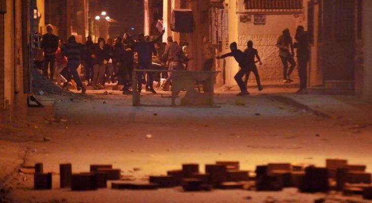 Revueltas en Túnez ponen en peligro su recuperación
