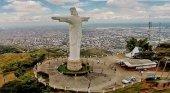 Vista panorámica de Cali y el monumento de Cristo Rey. Foto de Guía Turística del Valle del Cauca