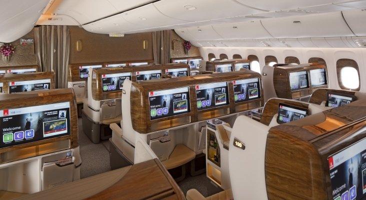 Interior de avión de Emirates