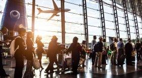 La llegada de pasajeros a aeropuertos españoles sigue imparable