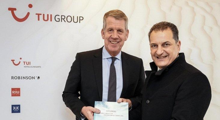 Georgios Lakkotrypis, ministro de Chipre unto a Fritz Joussen