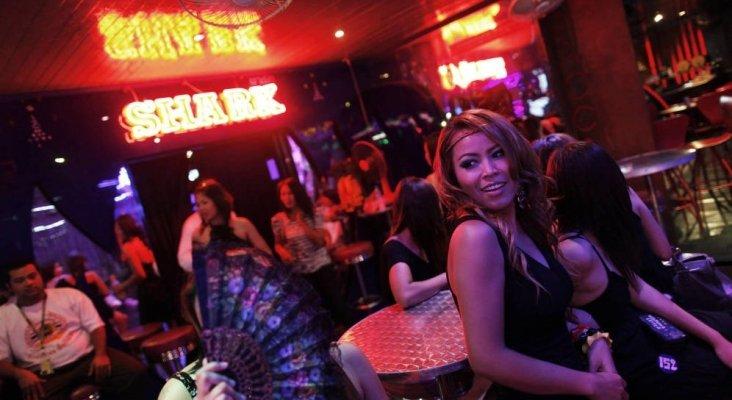 Las mujeres, el arma secreta de Tailandia para luchar contra el turismo sexual