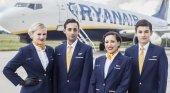 Auxiliares de vuelo de Ryanair amenazan con una huelga en verano