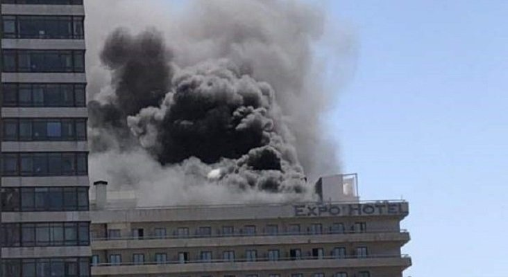 Gran incendio en un hotel de Barcelona