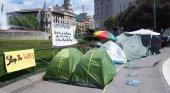 Desalojan a los acampados de Plaza de Catalunya
