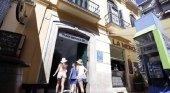 Los ayuntamientos malagueños no podrán poner luz roja a las viviendas turísticas