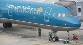 Avión se equivoca y aterriza en pista en construcción