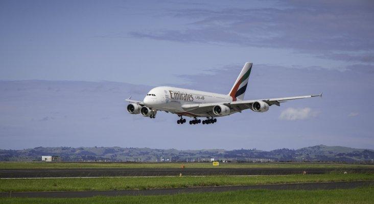 """""""Emirates miente al afirmar que cuenta con los permisos para volar en México"""""""