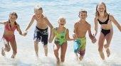 Familias españolas eligen playas andaluzas y costa mediterránea para sus vacaciones. Foto Inspirulina