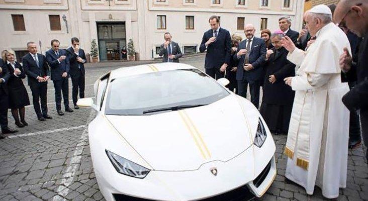 El lamborghini del Papa está en Murcia