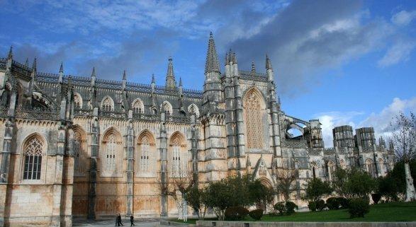 Monasterio de Santa Maria da Vitoria, guarda historia entre España y Portugal