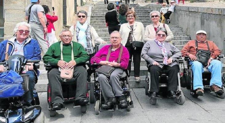 Miembros de Frater en la plaza del Azoguejo, Segovia