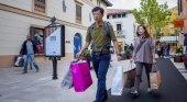 Caen en un 9% las compras de turistas extracomunitarios en España