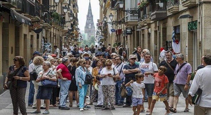 Turistas en España
