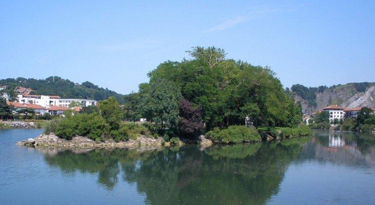 Isla de los Faisanes sobre el río Bidasoa