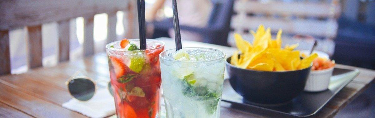 Los españoles gastan una media de 1.900 euros anuales en bares y restaurantes