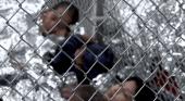 Niños en jaulas. Foto: captura de YouTube