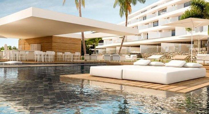Simón Pedro Barceló visita Tenerife para reinaugurar hotel Foto: Thomas Cook