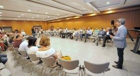 El Cabildo analiza con los municipios el fenómeno del alquiler vacacional en Tenerife