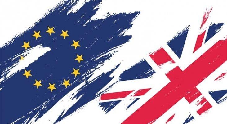 Preparan a los turistas británicos ante un Brexit duro