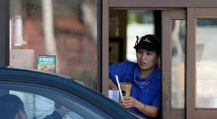 McDonald's sirve producto de limpieza, en lugar de café, a una mujer embarazada|Foto: ABC