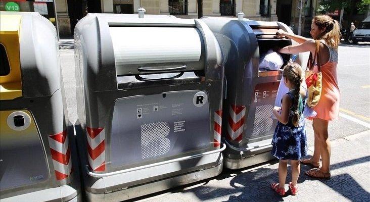 Queda anulada la tasa de basura para pisos turísticos|Foto: Ricard Cugat vía El Periódico