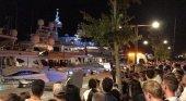 Magnate portugués fallece en Ibiza, al resbalar en su yate|Foto: expectación en el puerto por el levantamiento del cadáver- D.I. vía Diario de Ibiza
