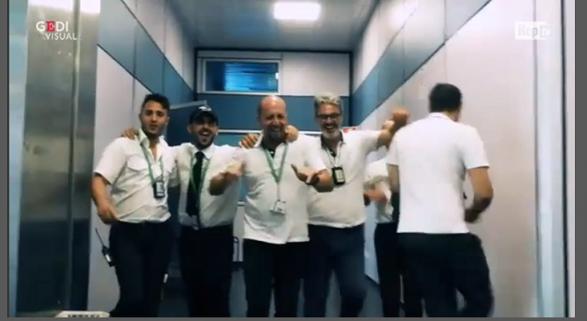 Unos Backstreet Boys muy peculiares en el aeropuerto de Palermo