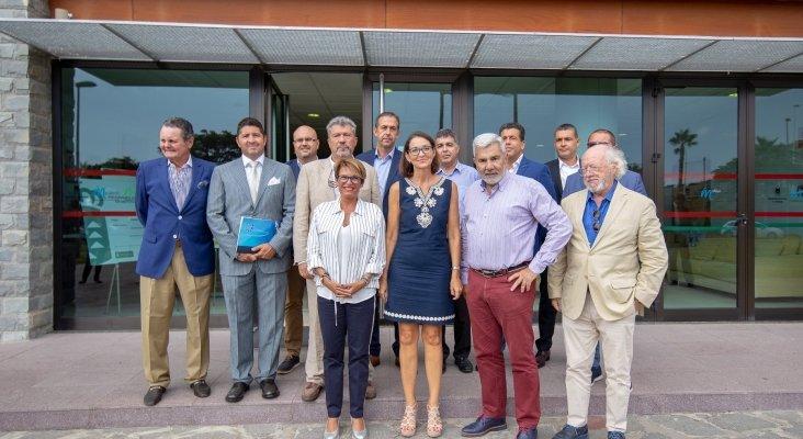 Foto de la visita de la ministra Reyes Maroto a Tenerife