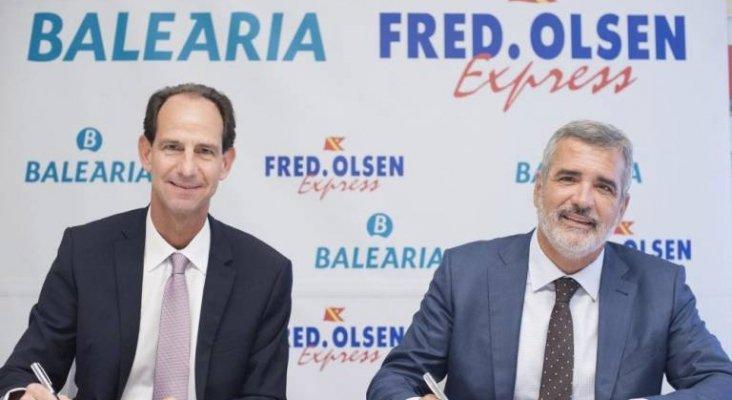 El director general de Fred. Olsen Express, Andrés Marín, y el presidente de Baleària, Adolfo Utor