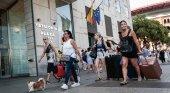 España pierde turistas por primera vez en 9 años|Foto: Montse Giralt vía La Vanguardia