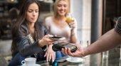 Restaurantes británicos obligados a entregar propinas íntegras al personal|Foto: Getty Images vía BBC