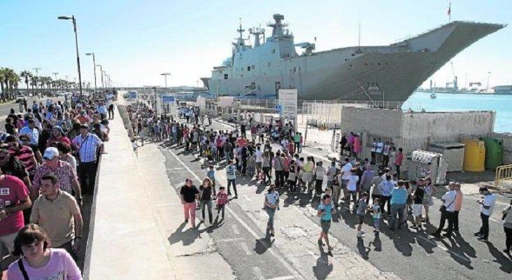 El portaaviones Juan Carlos I atrae a más de 12.000 visitantes en Motril Foto:  Ñito Salas vía Ideal