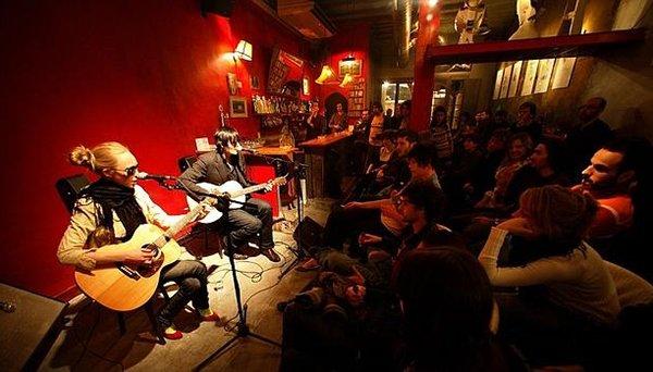 La música en vivo vuelve a los bares, cafeterías y restaurantes de Barcelona