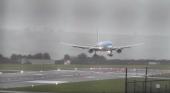 Vientos de 74 km/h dificultan aterrizaje de un Boeing de TUI Airways|Foto:  Mraviationguy