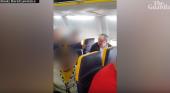 Acusan a Ryanair de inacción por altercado racista en uno de sus vuelos|David Lawren-Facebook vía The Guardian