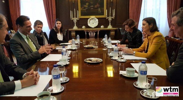 Reunión de la ministra de Turismo, Reyes Maroto, con Peter Fankhauser, CEO de Thomas Cook|Foto: Ministerio de Industria, Comercio y Turismo